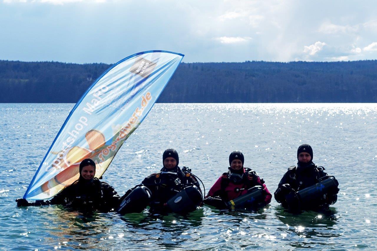 Das Testteam zeigt Flagge: Mark Sportshop und Rogerdivers am Bodensee